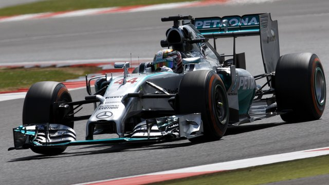 British GP practice two highlights: Hamilton fastest before breakdown