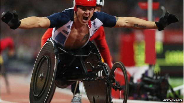 David Weir of Great Britain winning gold in the Men's 800m Paralympic race