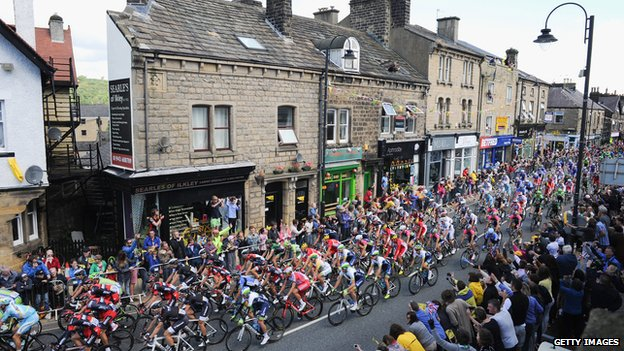 Tour de France passes through Ilkley