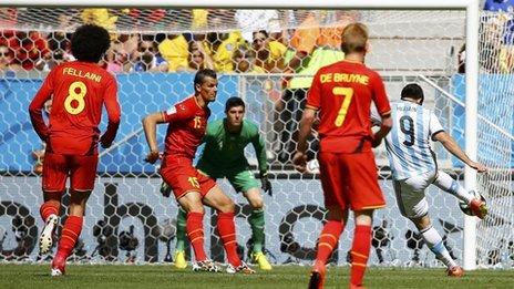 Higuain scores