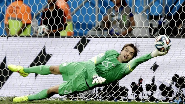 Tim Krul makes a save in penalty shootout