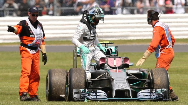 Nico Rosberg forced to retire from race