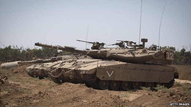 Israeli tanks at Israel/Gaza border near city of Sderot, Israel. 6 July 2014