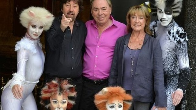 Director Trevor Nunn, Composer Andrew Lloyd Webber and Choreographer Gillian Lynne with cast members
