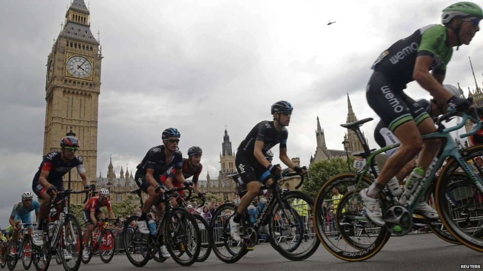 Tour de France riders going past Big Ben