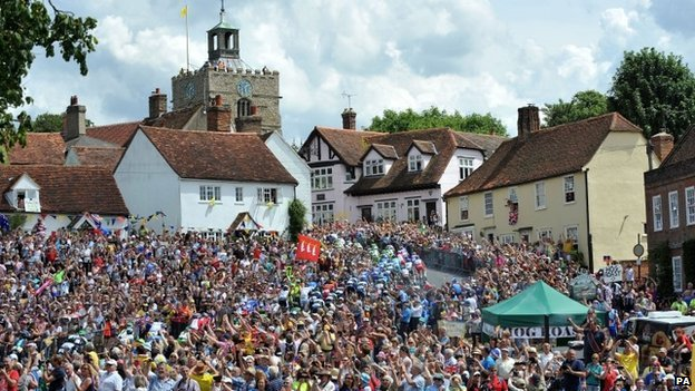 Tour de France passes through Finchingfield in Essex