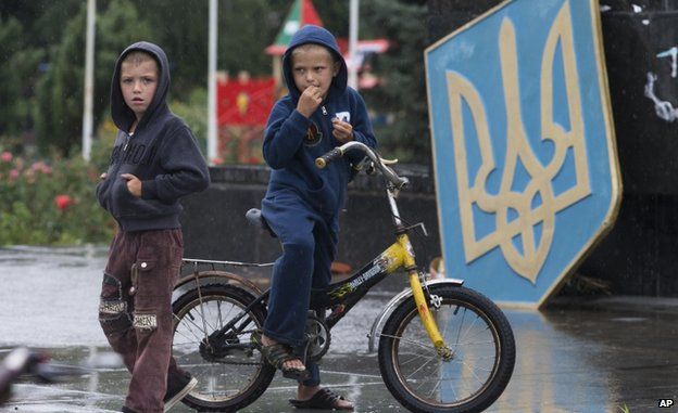 Children in Sloviansk (7 July)