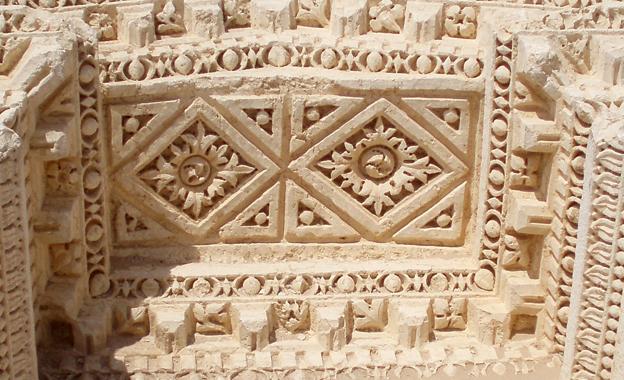 Palmyra rose motif