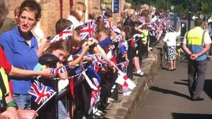Matlock children wait for the Queen