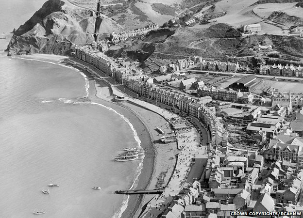Aberystwyth seafront in 1932