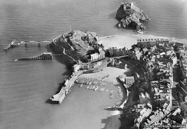Tenby Harbour in 1929