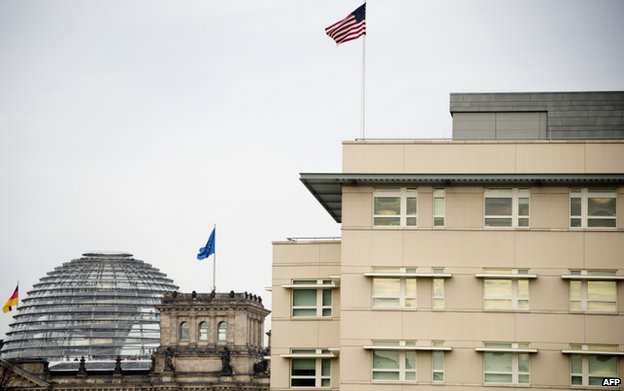 US embassy in Berlin with German parliament behind (file pic)
