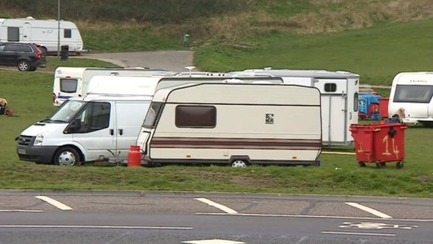 Caravans in an unauthorised traveller site