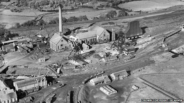Gresford colliery, Wrexham, October 1934