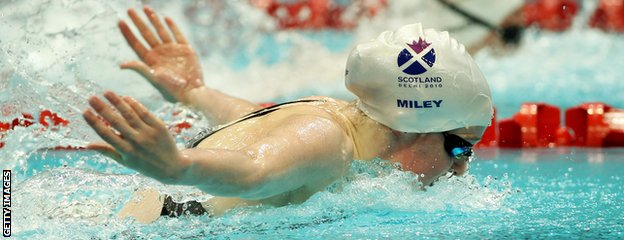 Hannah Miley claims gold for Scotland in the 400m individual medley at the Delhi 2010 Commonwealth Games