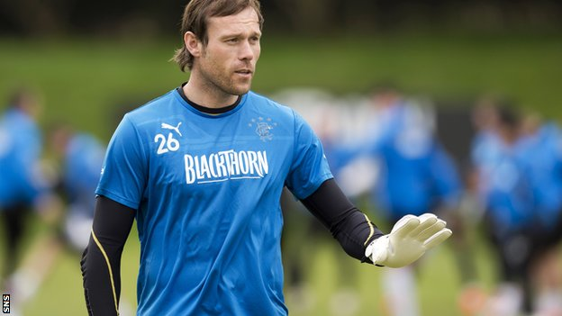 Goalkeeper Steve Simonsen has signed a deal to return to Rangers