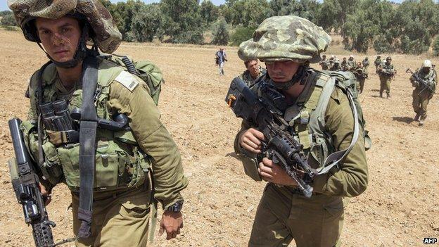 Israeli soldiers near Gaza border, 12 July 2014