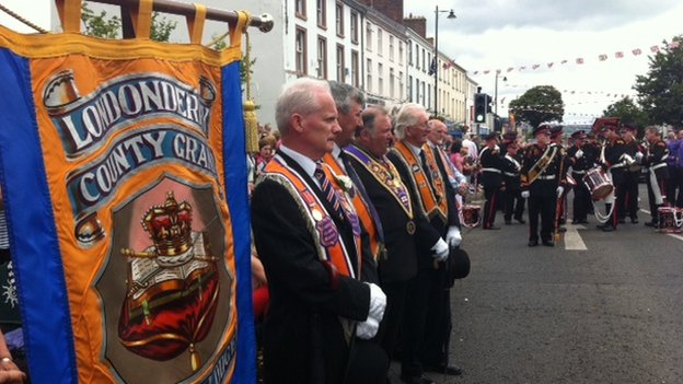 Orange men in Limavady paused for six minutes in protest against Parade Commission restrictions