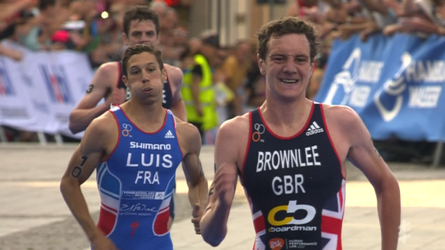 Alastair Brownlee wins Hamburg race
