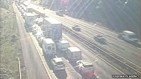 Queues on M42