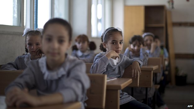 Palestinian girls at a UN-run school in Gaza City (25 August 2013)