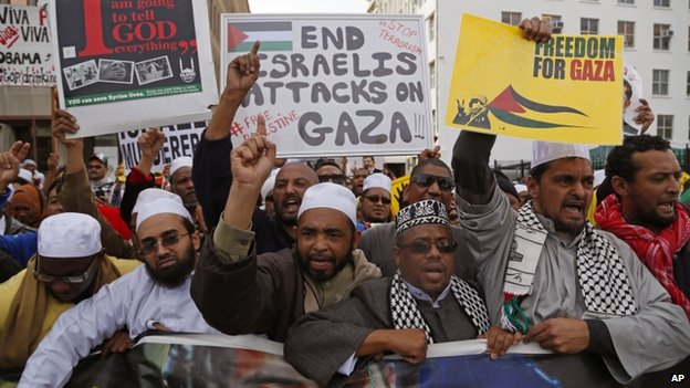 Palestinian supporters took part in a rally against the Israeli occupation of the Palestinian territories in Cape Town, South Africa, on 16 July 2014