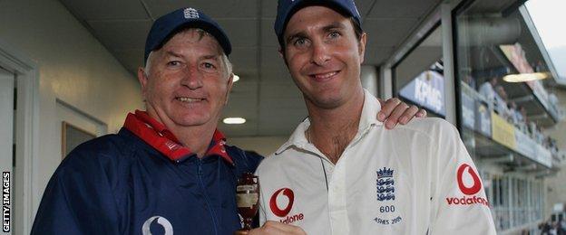 Duncan Fletcher and Michael Vaughan
