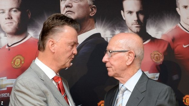 Manchester United manager Louis van Gaal and Sir Bobby Charlton