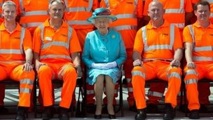 Queen at Reading station