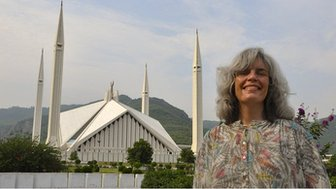 Wietske Burema in front of the Faisal Mosque