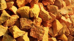 Sulphur rocks