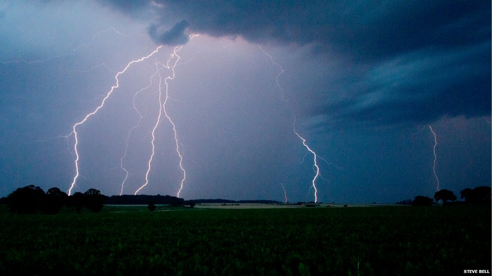 Lightning at Loddon, Norfolk facing towards Bungay