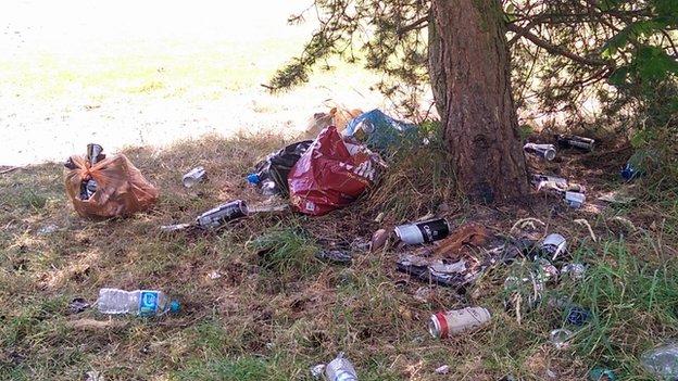 Rubbish discarded in Osmaston Park
