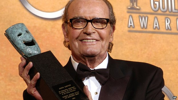 James Garner with his Screen Actors Guild lifetime achievement award in 2005
