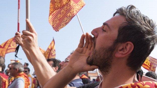 Venetian autonomist screams pro-independence slogans on April 25, 2014 in Venice, Italy