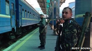 Militiaman at Donetsk station