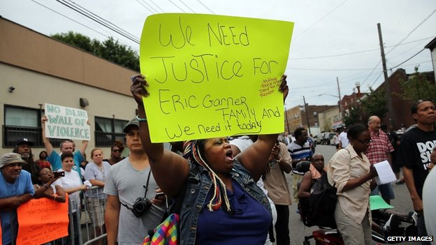 People participated in a demonstration against the death of Eric Garner in New York on 19 July 2014