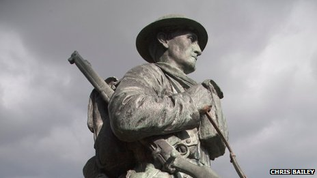 Charlie Robbins statue