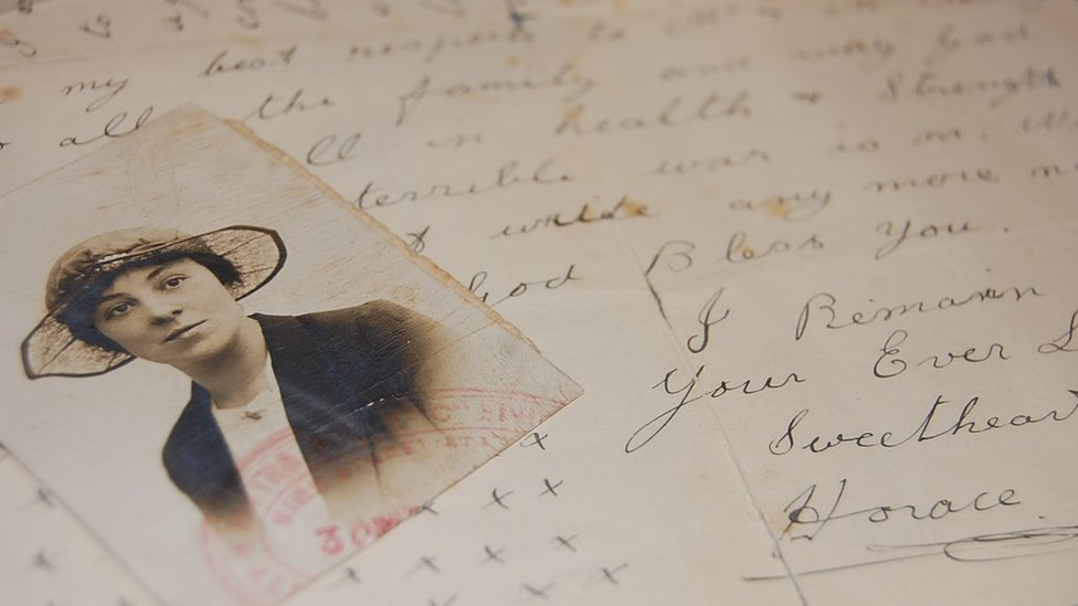 Sweetheart letter from L/Cpl Horace Collier of Cerne Abbas to Birdie Loder with photo of Ms Loder