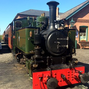Locomotive No.7 'Tom Rolt' at Tywyn Wharf