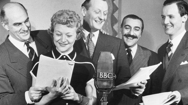 Kenneth Horne , Dora Bryan , Richard Murdoch ; Sam Costa and Nicholas Parsons recording radio series Much Binding In The Marsh in 1953