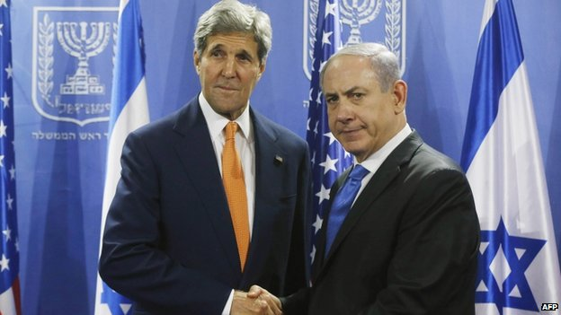 US Secretary of State John Kerry (left) shakes hands with Israeli Prime Minister Benjamin Netanyahu in Tel Aviv on 23 July 2014