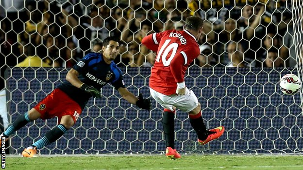 Man Utd's Wayne Rooney scores a penalty in the 7-0 friendly win against LA Galaxy