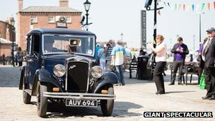 Albert Dock and Giants car