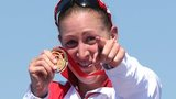 England's Jodie Stimpson wins gold in the Commonwealth triathlon