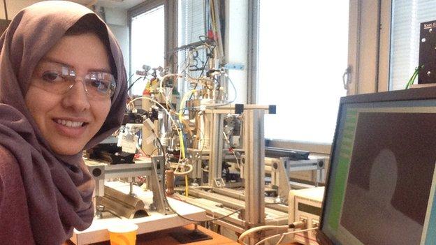 Hamideh Kaffash in a laboratory