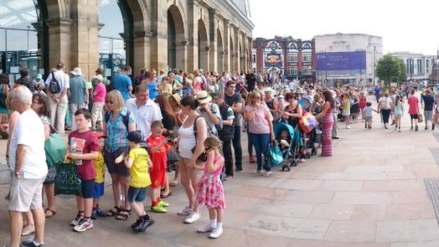 Queues at Lime Street