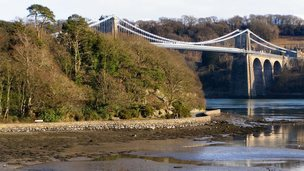 Belgian Promenade and Telford suspension bridge in Menai Bridge - photo by David Dixon