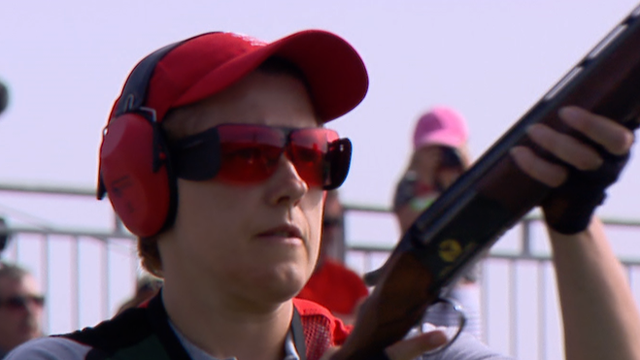 Welsh shooter Elena Allen wins a Commonwealth Games silver medal.