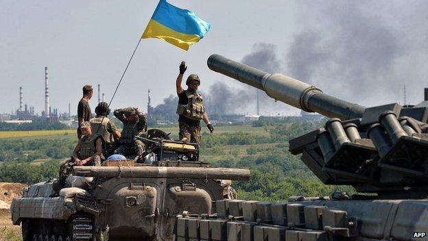 Ukrainian troops on patrol in the Luhansk region - 25 July 2014